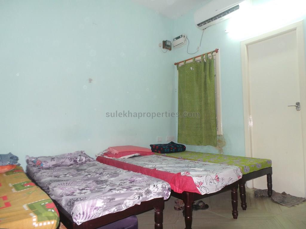 4 Sharing PG for Female in Thoraipakkam, Chennai - Breeze PG - ₹ 6500